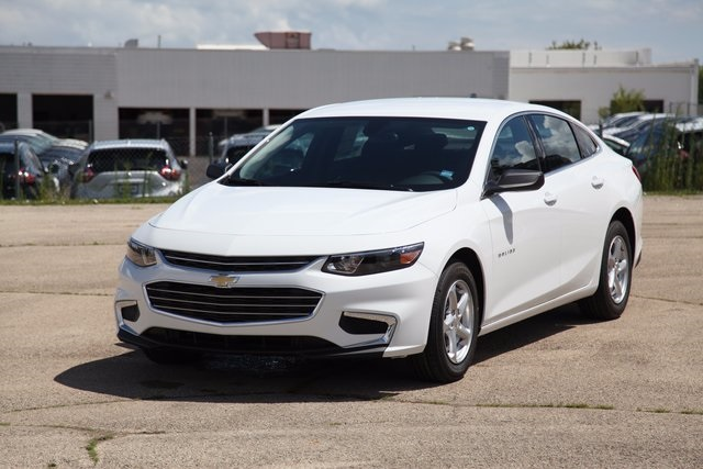 new 2018 chevrolet malibu ls 4d sedan in libertyville